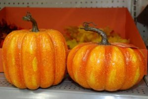 Fall Decor – Pumpkins, Flowers, Candles