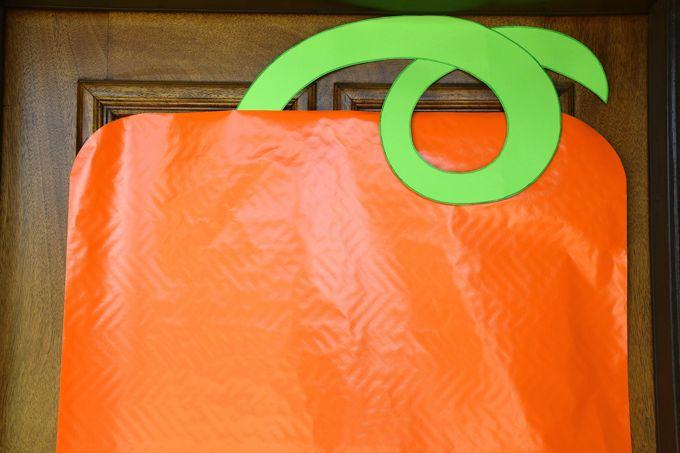 pumpkin-face-door-greeter-pumpkin-1