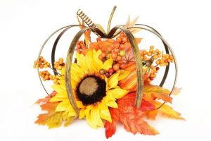 Fall – Scarecrow, Pumpkins – Decorate
