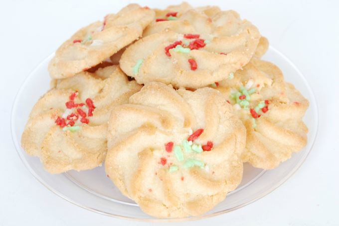 Holiday Cookies - Spritz Cookie with Sprinkles   yesilovewalmart.com