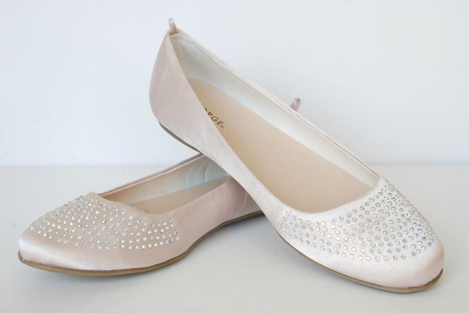Winter White Casual Outfit - Sparkle Embellished Ballet Flat