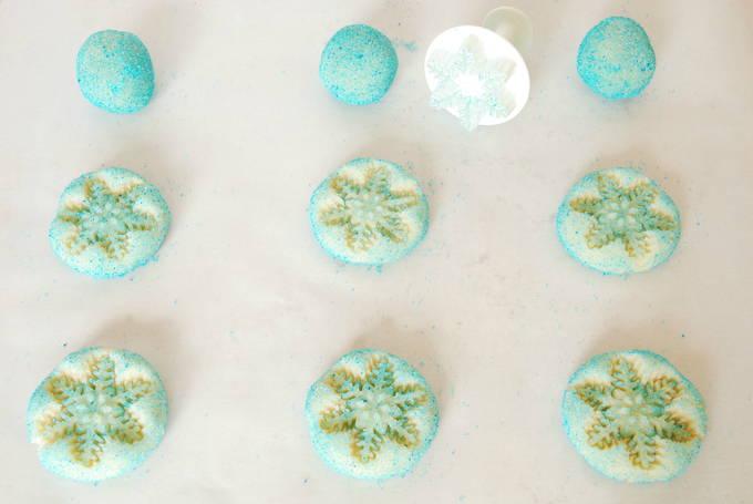 Frozen Snowflake Sugar Cookies - Bake