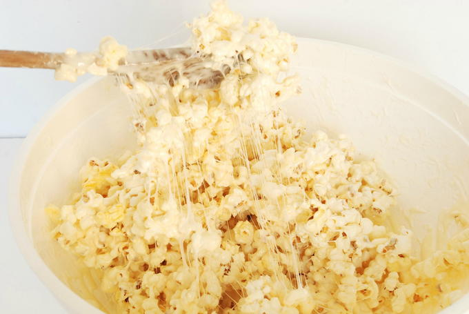 Snowman Marshmallow Popcorn Balls - Mixing
