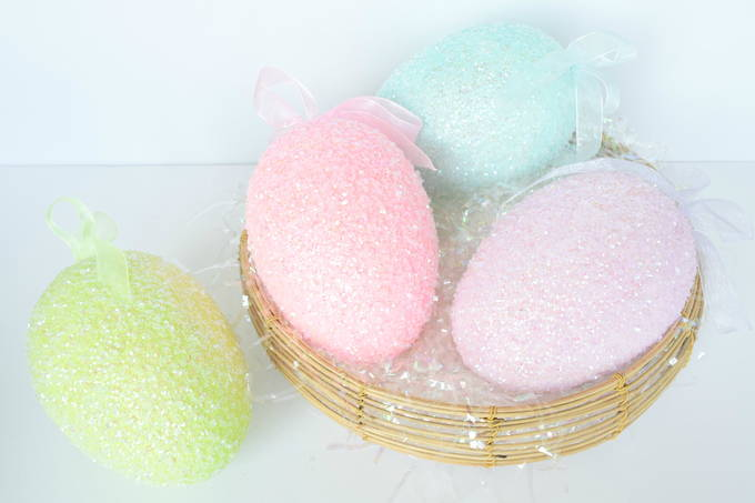 Colorful Easter Decor - Glitter Eggs| yesilovewalmart.com