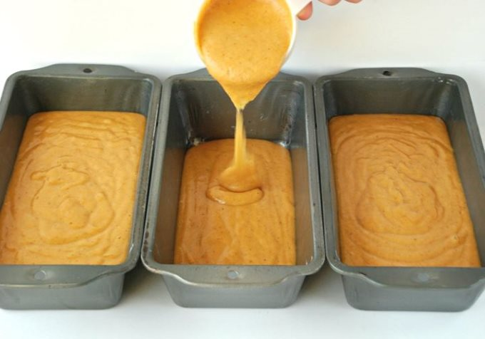 Pumpkin Spice Bread with White Chocolate Streusel - Pouring Mixture