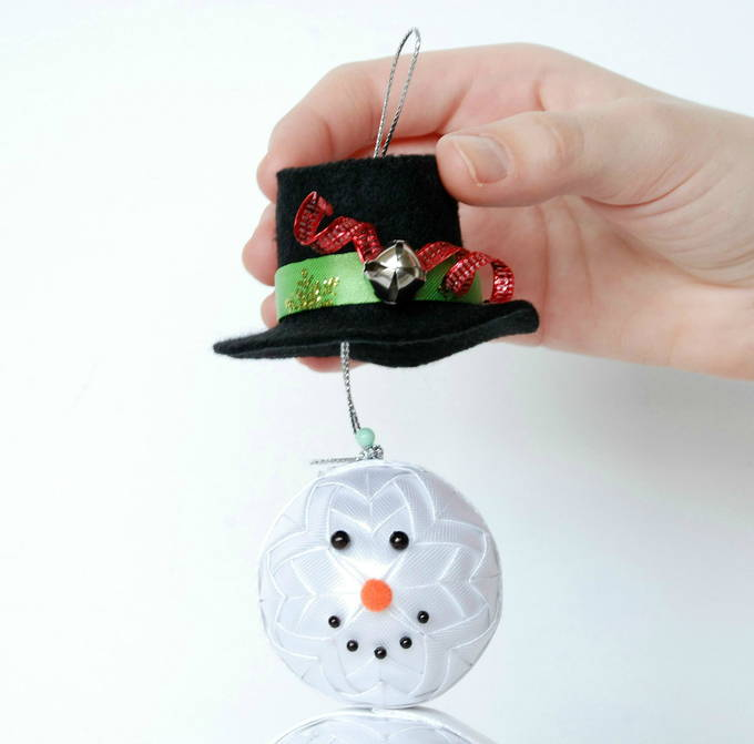 Quilted Snowman Head - Hanging Ribbon
