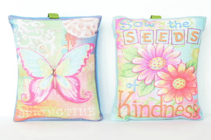 Spring Decor - Mini Pillow| yesilovewalmart.com