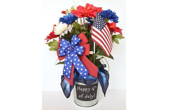 Patriotic Centerpiece | yesilovewalmart.com