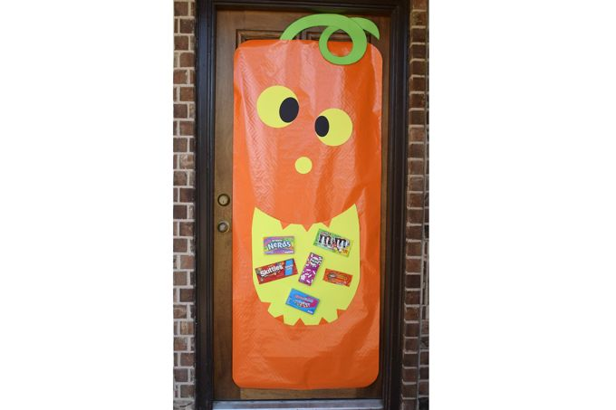 pumpkin-face-door-greeter-candy | yesIlovewalmart.com