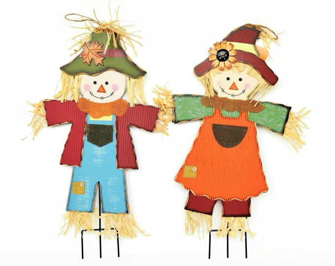fall-scarecrows-pumpkins-wood-scarecrows