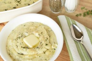 Garlic Herb Mashed Potatoes | yesilovewalmart.com